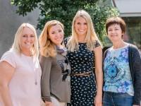 Klasse 2c, Hasen: Frau Herzog, Frau Esko, Frau Werneke und Kollegin