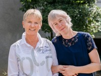 Klasse 4a, Schneeleoparden: Frau Feldmann und Frau Koretz